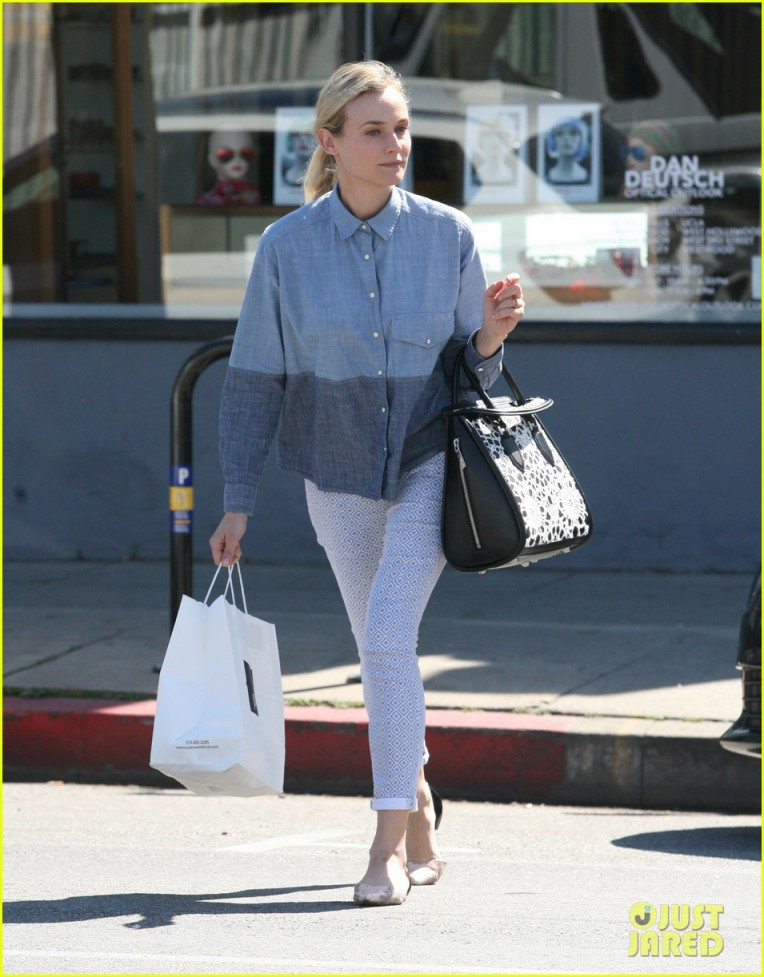 EXCLUSIVE: Diane Kruger wearing a ring in West Hollywood, CA